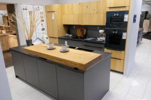 201087 Linie 1 – 32668 Musterküche von M+W Küchen