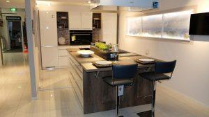 201211 Linie 1 – 32661 Musterküche von M+W Küchen